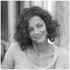 Marion Cotillard, Les petits mouchoirs 2010 - Director: Guillaume Canet