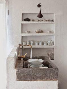 Kitchen Inspiration / Concrete Sinks (instagram @the_lane)