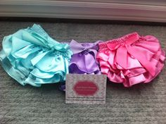Adorable diaper covers {bloomers}. Available in many colours!!