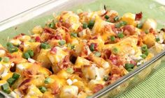 In this episode of Laura in the Kitchen Laura Vitale shows you how to make Cheesy Bacon Ranch Potatoes!