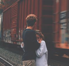 9 Promises You Need To Make Before Starting A Long Distance Relationship Relationship Pictures, Cute Relationship Goals, Cute Relationships, Long Distance Relationships, Couple Goals Cuddling, Teenage Couples Cuddling, Long Distance Love, Long Distance Dating, Couple Photography