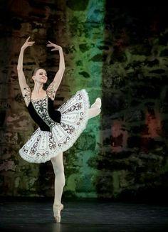 1431 mejores imágenes de ballet dancer en 2019  d55cde44262