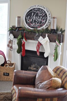 via Pink Pistachio - lovely mantel and chalkboard display Christmas Chalkboard, Diy Chalkboard, Chalkboard Mirror, Pink Christmas, Christmas Home, Christmas China, Cute Christmas Decorations, Holiday Decor, Holiday Fun