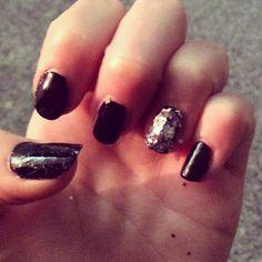 Simple black nails with sparkle  #blacknails #glitter #sparklenails #simplenails