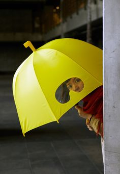 Goggles Umbrella: Available in Yellow Submarine or Cement Dust. Love the snorkel top knot Bubble Umbrella, Yellow Umbrella, Under My Umbrella, Funny Umbrella, Dome Umbrella, Umbrella Art, Cute Umbrellas, Umbrellas Parasols, The Originals