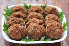 Chiftele de vita la cuptor Picnic, Ethnic Recipes, Food, Meal, Essen, Picnics, Picnic Foods