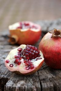 Pomegranates from Food from the heart. Courtesy of Lapa Publishers, photo by Adriaan Vorster South African Recipes, Pomegranates, Apple, Fruit, Kos, Heart, Apple Fruit, Apples