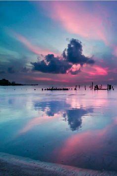 Coucher de soleil rose et bleu