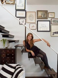 Genevieve Gorder~ my idol Genevieve Gorder, Picture Arrangements, Interior Architecture, Interior Design, Floating Staircase, Beautiful Space, Room Inspiration, Sweet Home, New Homes