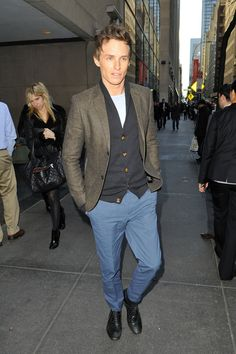 "Eddie Redmayne Photos - English actor Eddie Redmayne, who stars in the new film ""Les Miserables"", arrives at the NBC Studios in New York City ahead of his appearance on the ""Today"" show. - Eddie Redmayne Arrives for the 'Today' Show"