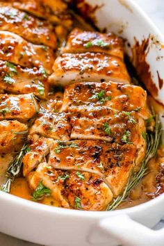 Baked Honey Mustard Chicken - The classic combination of honey and mustard smothered all over tender chicken breasts and baked to a succulent perfection. A wonderful throw-together baked chicken dinner that's really easy to make and it's healthy! #bakedchicken #chickenrecipes #honeymustard