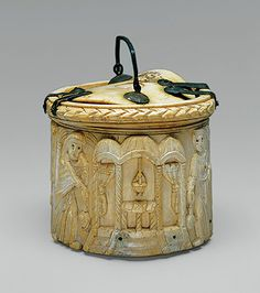 Pyx Depicting Women at the Tomb of Christ, 500s, Byzantine; Made in the eastern Mediterranean, Ivory (17.190.57)
