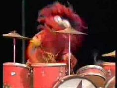 ▶ Muppets - Beaker singing Feelings - YouTube There's Beaker singing, and then there is Beaker singing.