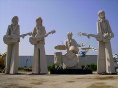 Beatles Statues - Summer Street - Houston,TX, sadly, these are no longer there, but I was privileged to see them George Harrison, John Lennon, Hampshire, Wyoming, Arkansas, Iowa, Places To Travel, Places To Go, Alaska