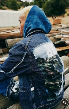Jaden Smith, Forces of Nature denim jacket - Alissa Cropped Denim Jacket, Ripped Denim, Denim Overalls, Denim Jackets, Willow Smith, Womens Fashion Online, Latest Fashion For Women, Kim Basinger Now, Hiphop