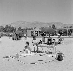 """Asteria"" beach, Glyfada, Athens Greece 1955 / Photo by Dimitris Harissiadis / Benaki Museum Photographic Archives. Greece Pictures, Old Pictures, Old Photos, Vintage Photos, Greece Tours, Benaki Museum, Greece History, Costa, Old Greek"