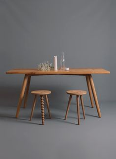 Our Signature Oak Dining Table is a sturdy and functional table, made in solid English Pippy Oak, with its distinctive 'cats paw print' knots the table is 'modern rustic' and robust.