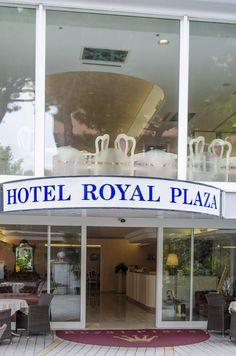 Hotel Royal Plaza Rimini  - exterior view  www.hotelroyalplaza.it