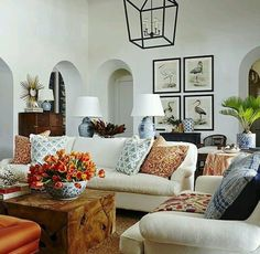 Summer Thornton Interiors White Linen Sofas Wood Beams And Audubon Prints Are Combined With Blue Chinese Ginger Jar Lamps