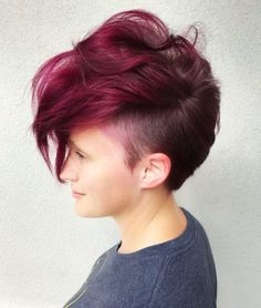 Show off your edge with these punk hairstyles! We show you fresh, brand new looks that are bound to show off your daring side. Haircuts For Long Hair, Cool Haircuts, Short Hairstyles For Women, Short Punk Haircuts, Medium Haircuts, Undercut Hairstyles, Funky Hairstyles, Latest Hairstyles, Shaved Hairstyles
