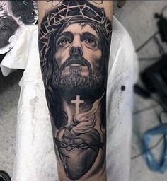 tatuajes-del-sagrado-corazon-en-brazo.jpg (360×391)