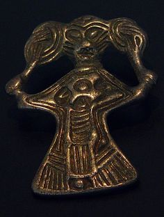 STAR GATES: RESIDENTS OF THE EARTH. WHO ARE THESE PEOPLE?? WHERE ARE THEY NOW??? WHAT IS THE MESSAGE??? WHAT DO YOU SEE??? Danmark - Iron Age Silver valkyrie with Asian slanted eyes found in Denmark