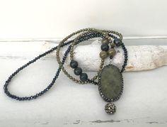 Ketten lang - lange Kette, Labradorit, Pyrit - ein Designerstück von moanda bei DaWanda