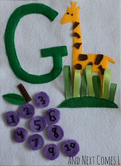 How cute would it be to do an alphabet quiet book!  I love this!
