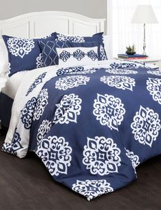 Shop today for Lush Décor 7-pc. Sophie Damask Collection Comforter Set & deals on Comforters! Official site for Stage, Peebles, Goodys, Palais Royal & Bealls.