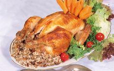 Μια συνταγή για κοτόπουλο γεμιστό με παραδοσιακή γέμιση κιμά, κουκουνάρια, σταφίδες, κάστανα. Ένα υπέροχο γεμιστό πουλερικό που μπορεί να είναι το κύριο πι Greek Beauty, Biscotti Cookies, Xmas Food, Greek Recipes, Ants, Baking Recipes, Main Dishes, Chicken Recipes, Recipies