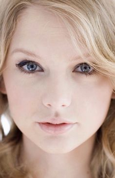 The clearest eyes in this world.Taylor Swift,why are you so perfect? Taylor Swift Makeup, Taylor Swift Fan, Taylor Swift Pictures, Taylor Alison Swift, Taylor Taylor, Live Taylor, Taylor Swift Wallpaper, Senior Quotes, Sometimes I Wonder