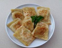 Πουρέκια με χαλλούμι στη σάτζιη. Greek Appetizers, Greek Desserts, Greek Recipes, Cyprus Food, Savoury Baking, Cornbread, Food Processor Recipes, Brunch, Snacks