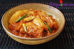 Cách làm món kim chi kho thịt - Sotaynauan.com
