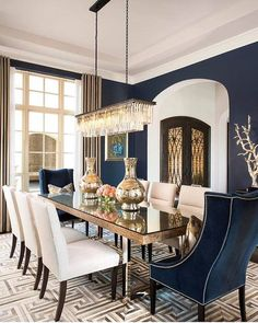 Transitional Dining Room Chandelier Best Of Transitional Dining Room Ideas 20 Beautiful Inspirations Classic Dining Room, Luxury Dining Room, Elegant Dining Room, Dark Blue Dining Room, Formal Dining Rooms, Blue Velvet Dining Chairs, Luxury Rooms, Dining Room Table Decor, Dining Room Lighting