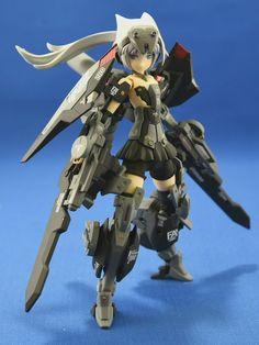埋め込み Tactical Suit, Sf Movies, Frame Arms Girl, Ninja Girl, Female Armor, Cool Robots, Robot Girl, Custom Gundam, Anime Figurines