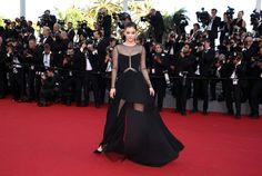 Barbara Palvin de Versace - Cannes 2015