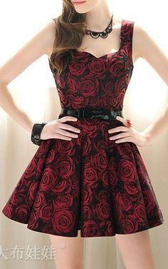 edgy dress- red roses on black background, pleats