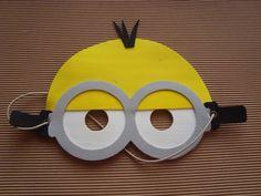 Mascaras De Minions En Goma Eva - $ 22,00 Birthday Favors, Birthday Decorations, Felt Mask, Ceramic Fish, Minion Party, Cosplay Tutorial, Holidays And Events, Party Themes, Party Ideas