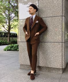 Der Gentleman, Gentleman Style, Wardrobe Color Guide, Suits You Sir, Brown Suits, Formal Outfits, Men Formal, Office Looks, Men Style Tips
