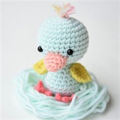 What could be more exciting then finding this little friendly duck waiting next to your bed for you to wake up on Easter morning?! She is such a cute friend for toddlers as well as a beautiful handmade gift for grownups. Use it as an Easter decoration, keyholder or a small toy. Size: 9 cm Skill …