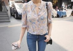 Today's Hot Pick :Button-Down Sheer Blouse http://fashionstylep.com/P0000UMP/elevenam/out While sipping your favorite coffee in a shop. Look dainty and casual with this sheer blouse that come in floral print and that has button-down closure. The item features a 3/4 sleeves and looks best with denims and platform shoes. -Spread collar -3/4 sleeves -Button-down closure -Sheer -Floral print -Color: beige and navy