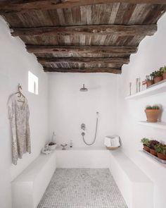 Ibiza / A bohemian decor for a finca / - Fashion - .- Ibiza / Une déco bohème pour une finca / – Mode – … Ibiza / A bohemian decor for a finca / – Fashion – - Dream Bathrooms, Small Bathroom, Bathroom Ideas, Master Bathroom, Luxury Bathrooms, Cement Bathroom, Concrete Bathtub, Nature Bathroom, Guys Bathroom