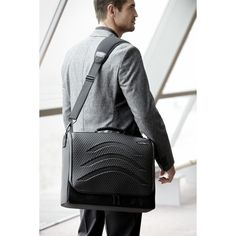 It's time to travel without any worries. The messenger bag from Lat 56 is more than a bag, it's a traveling bank, where everything you store inside is as safe as it g. Laptop Messenger Bags, Briefcase, Tech Accessories, Memory Foam, Satchel, Cool Stuff, Women, Traveling, Fox