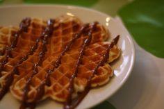 Waffles with yogurt and vanilla, from Denmark. Yogurt, Favorite Recipes, Breakfast, Denmark, Food, Vanilla, Morning Coffee, Meals, Yemek