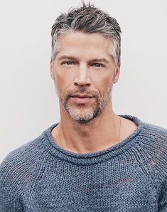 Sandra Bullock's Boyfriend Bryan Randall Photos, About Him Older Mens Hairstyles, Haircuts For Men, Hairstyle Men, Funky Hairstyles, Formal Hairstyles, Sandra Bullock Boyfriend, Sandra Bullock Hair, Short Hair Cuts, Short Hair Styles