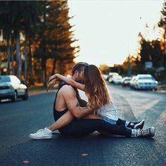 Boyfriend kiss girlfriend cute photo