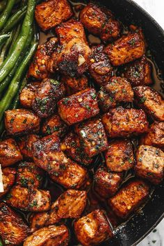 Cajun Butter Pork Bites with Lemon Green Beans - #pork #greenbeans #eatwell101 #recipe - Ready in 30 minutes or less, this garlic butter pork bites and green beans skillet is a weeknight winner! - #recipe by #eatwell101 Healthy Recipes, Bean Recipes, Cooking Recipes, Healthy Treats, Soup Recipes, Salad Recipes, Recipies, Lemon Green Beans, Pork And Green Beans