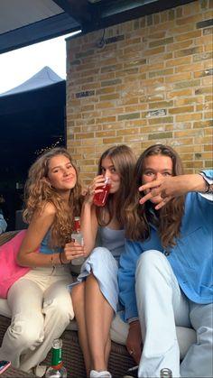 Cute Friend Pictures, Friend Photos, Summer Girls, Paisley, Teen Life, Gal Pal, Cute Friends, Best Friend Goals, Bffs