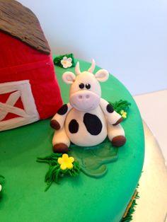 Fondant cow for farm cake #farm cake #fondant cow