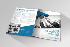 School brochure indesign template Back To School. School Brochure, Indesign Templates, Editorial Layout, Brochure Design, Back To School, Behance, Lettering, Brochures, Editorial Design